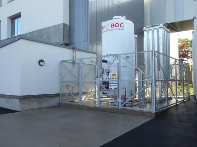Cómo generar ingresos recurrentes - tanque para oxígeno en un hospital
